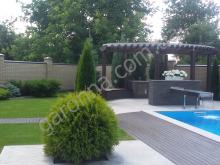 Оригинальный дизайн (стол-водопад возле бассейна)